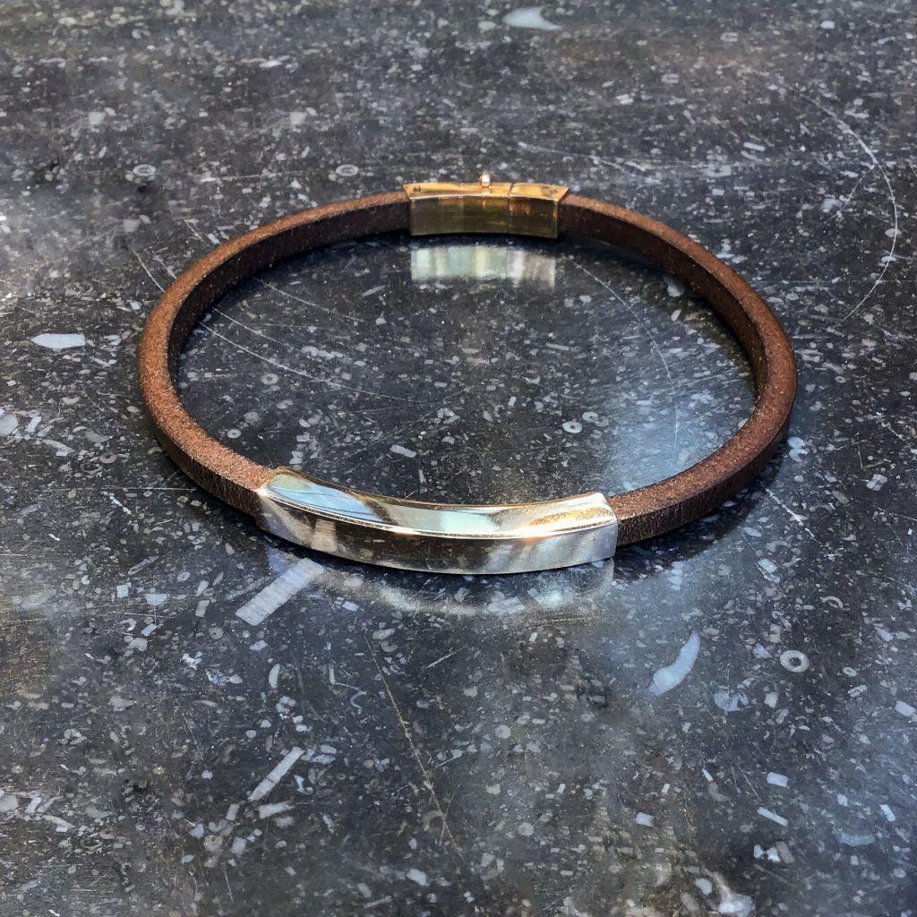Bracelet en cuir brun carré or rose avec fermoir rifté