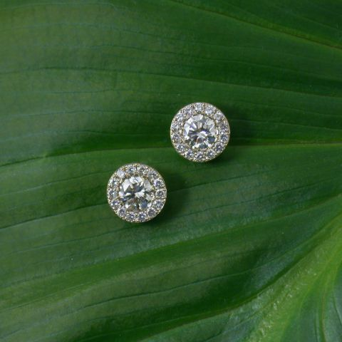 boucles d'oreilles création david mann or blanc diamants central entourage diamants