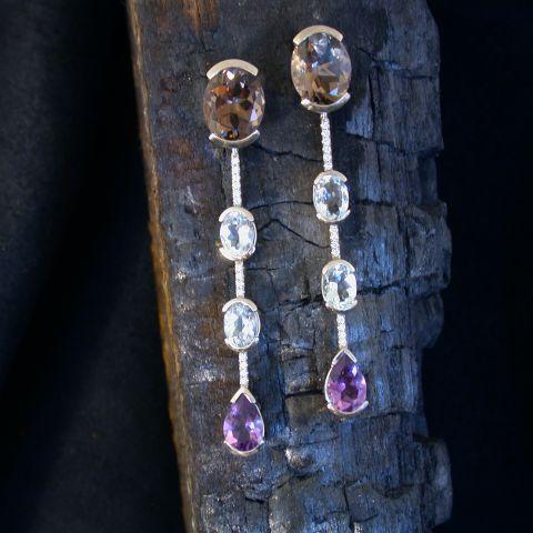 boucles d'oreilles pendantes création david mann or blanc diamants améthystes