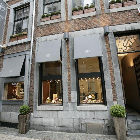 Bijouterie à Liège devanture et vitrines dans le centre-ville